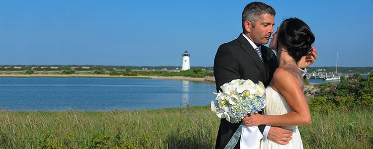 newly weds ocean lighthouse