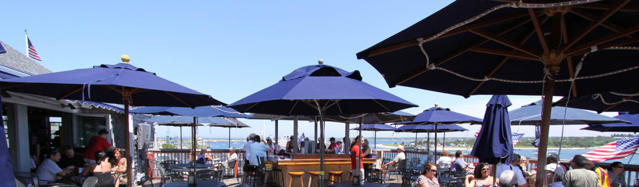 waterfront reastaurant bar martha's vineyard