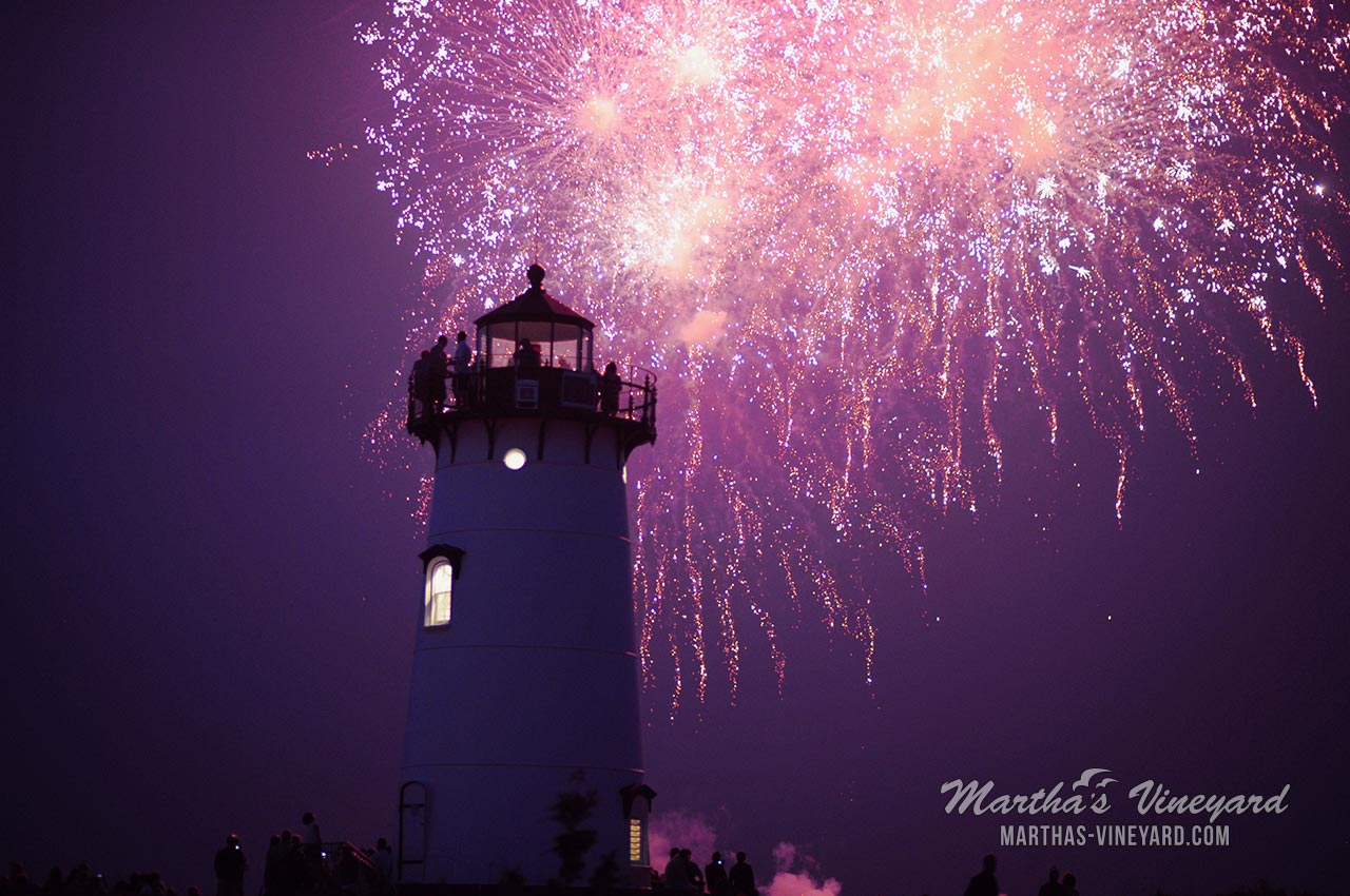 Marthas Vineyard Christmas Stroll 2020 Annual 4th of July Parade & Fireworks 2020   Canceled | Martha's
