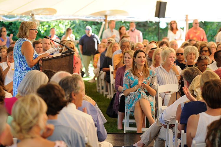 marthas vineyard auction