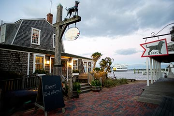Vineyard Haven Black Dog Tavern in the winter