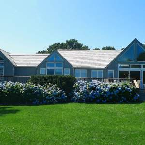 oak bluffs home for sale