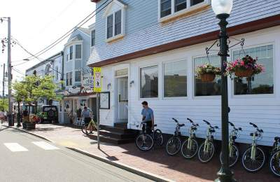 bike rental shop downtown Oak Bluffs