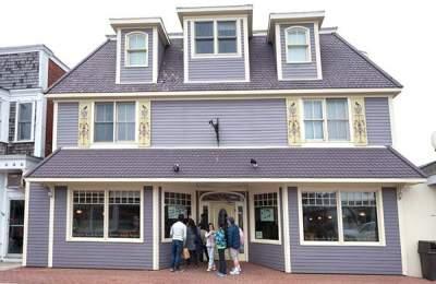 oak bluffs restaurant