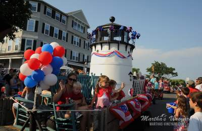 4th july lighthouse float